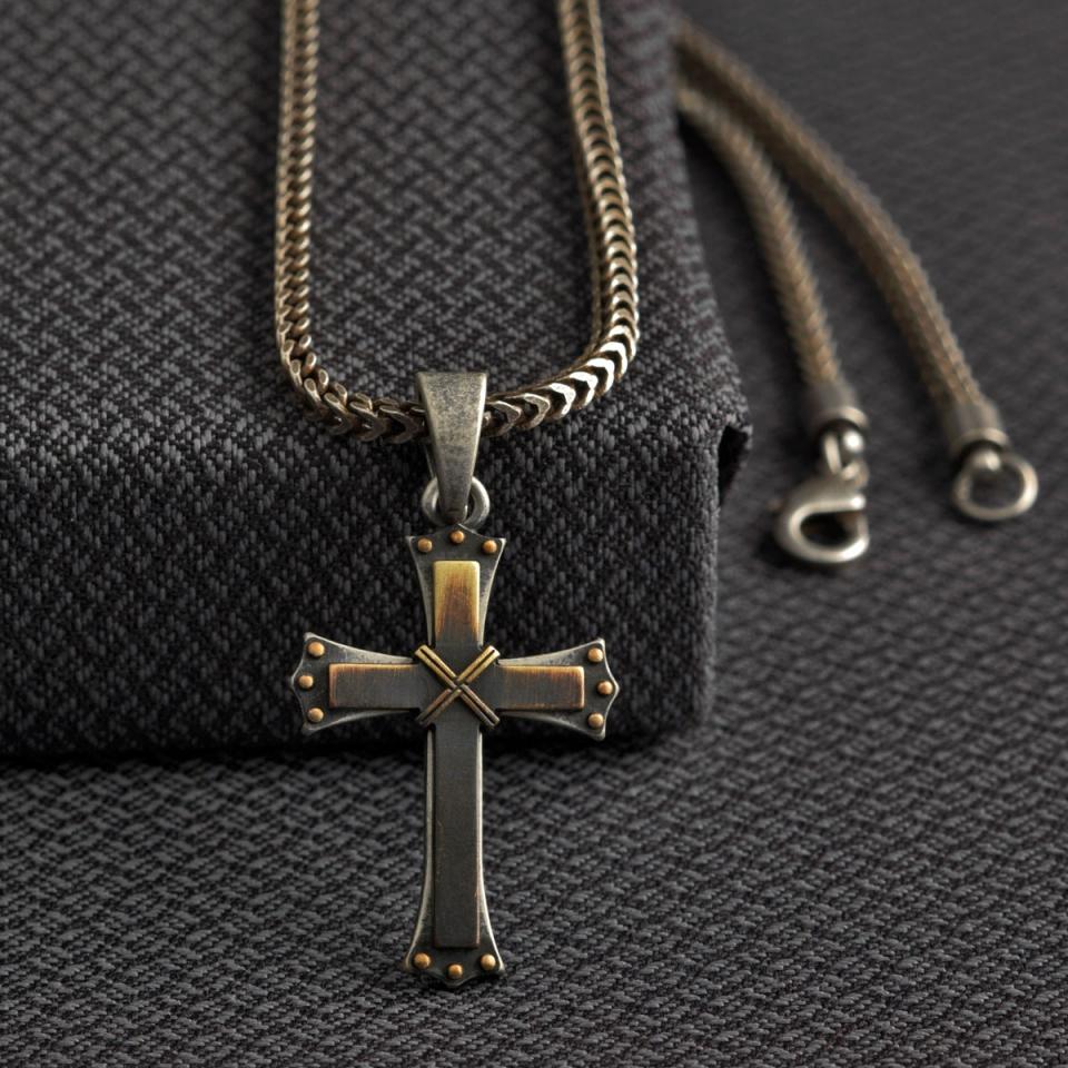 Ciri-Ciri Kalung Salib yang Cocok Untuk Anda