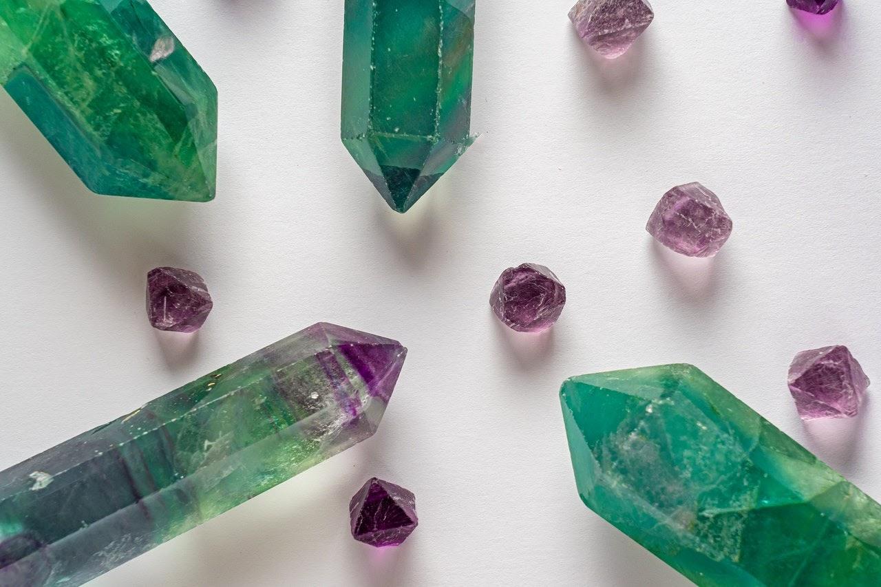 Jenis-Jenis Batu Zamrud Yang Perlu Anda Ketahui