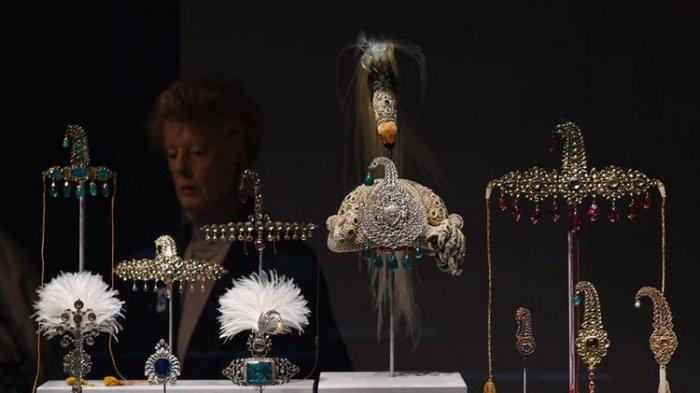 Luar Biasa! Perhiasan Kuno Kerajaan Seharga Rp 16,1 Miliar Raib Dicuri Pada Saat Pameran