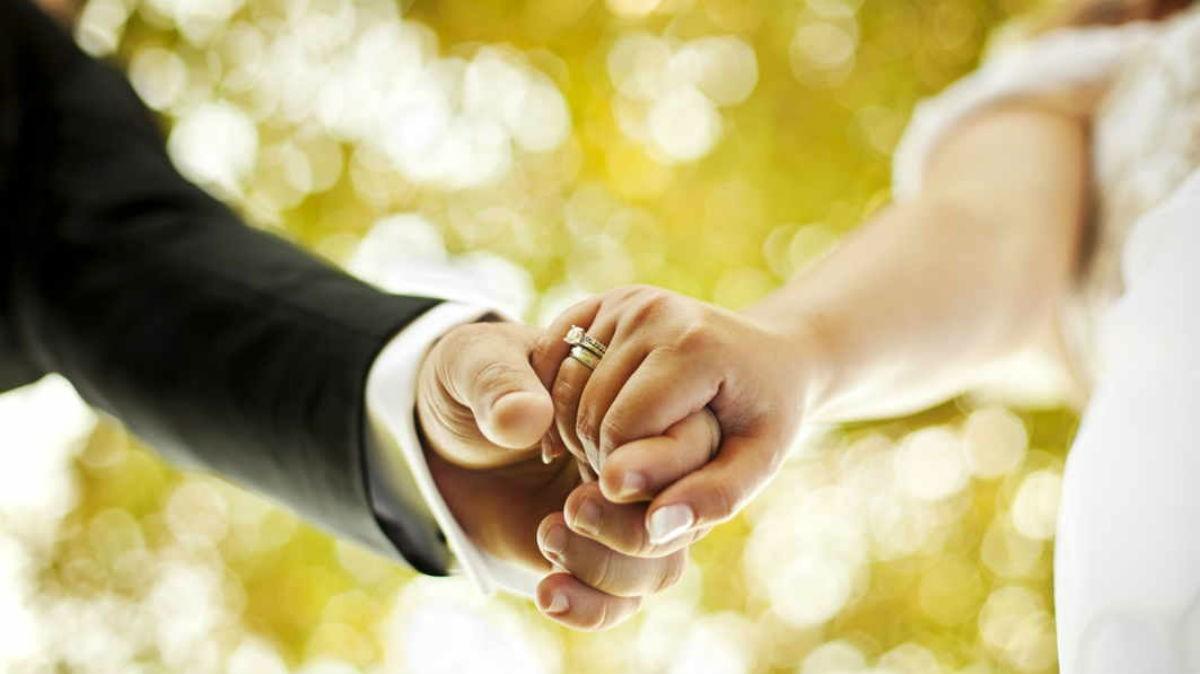 Makna Penggunaan Cincin Kawin Unik pada Pernikahan Anda