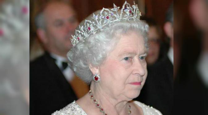 Mengintip 5 Mahkota Super Mewah Milik Ratu Inggris Dari Dulu Hingga Sekarang