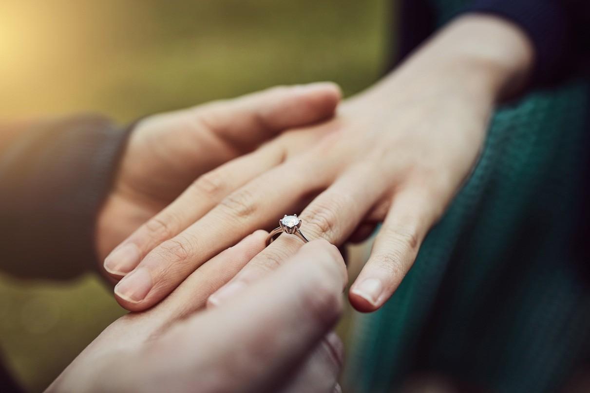 Persiapkan Ini Sebelum Membeli Cincin Pertunangan